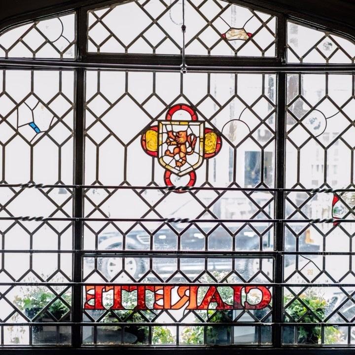 Clarette Restaurant window